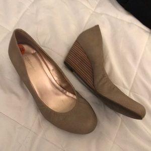 BCNG wedge heels